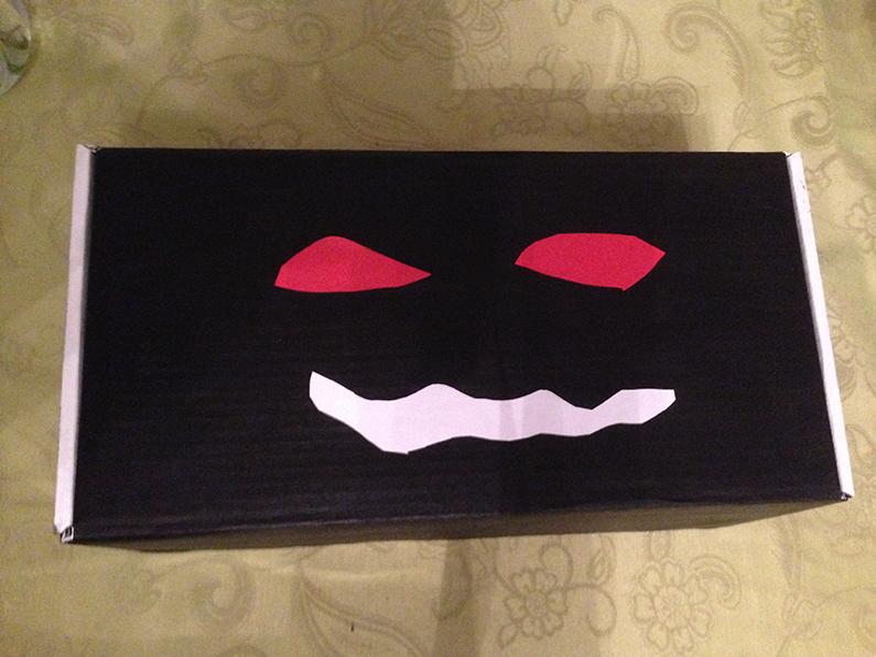 Min Halloween box
